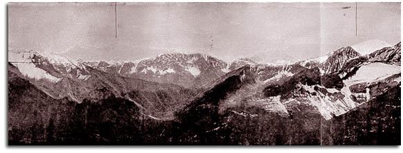 Kilátás a Bajbicse-hágóról dél és délkelet felé